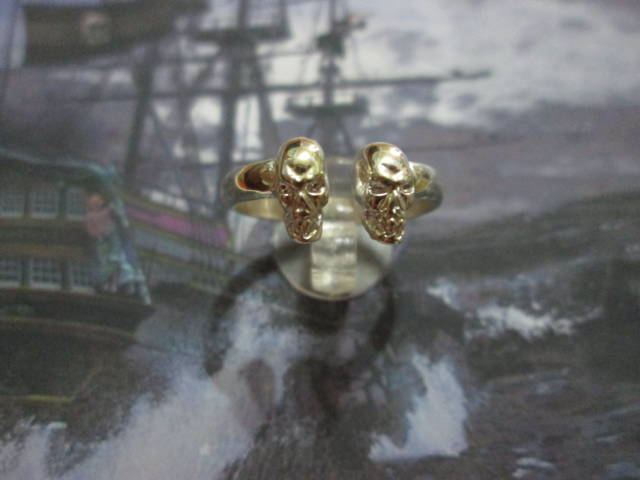 Anello dei Due Teschi (Argento) - Ring of the Two Skulls (Silver)