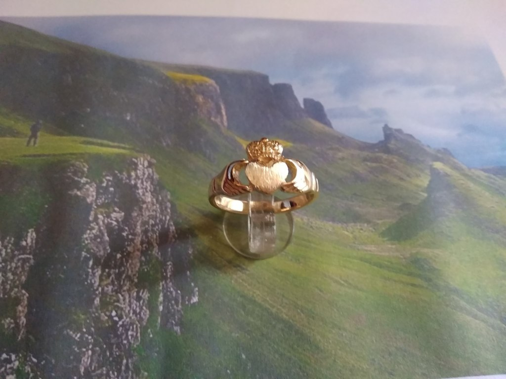 Claddagh - Anello (Oro Giallo) - Claddagh - Ring (Yellow Gold)