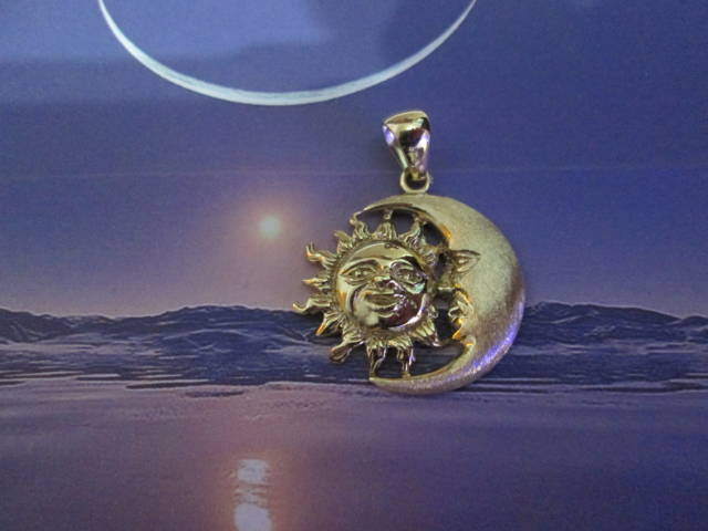 Sole e Luna - Ciondolo (Oro) - The Sun and the Moon - Pendant (Gold)