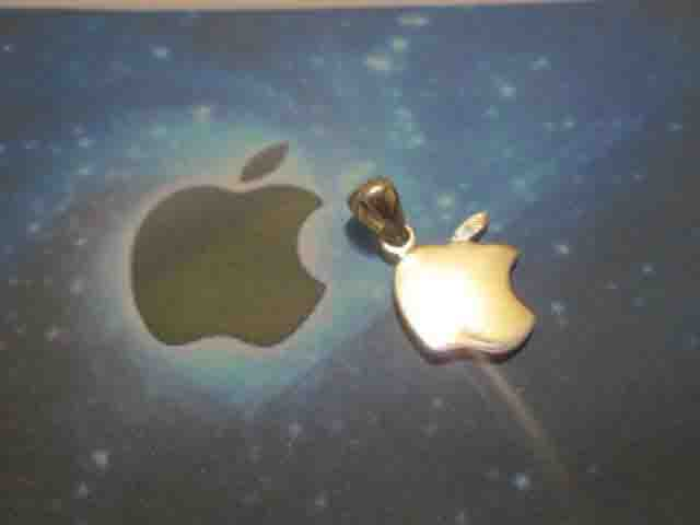 La Mela (Piccola) - Ciondolo (Argento) - The Apple (Small) - Pendant (Silver)