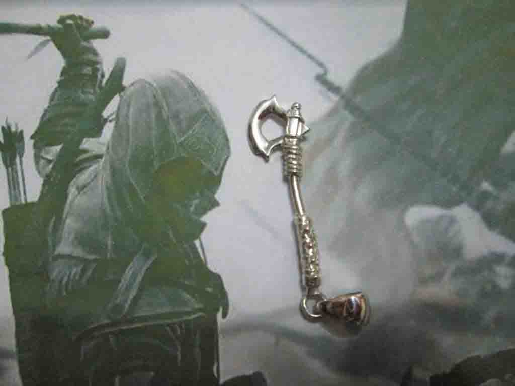 Assassin's Creed Tomahawk - Ciondolo (Argento) - Assassin's Creed Tomahawk - Pendant (Silver)